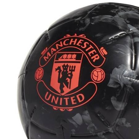 Piłka nożna adidas Manchester United Capitano czarna DY2527